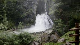 里瓦di Tures Waterfalls,坎波图雷斯,女低音阿迪杰,意大利 股票录像