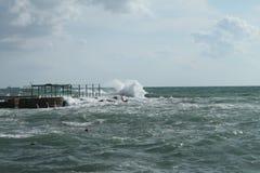 里窝那,风大浪急的海面 图库摄影