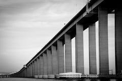 里约尼泰罗伊桥梁 图库摄影