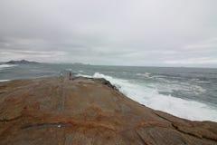 里约热内卢有风大浪急的海面在一宿酒天 图库摄影