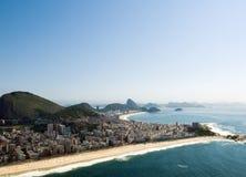 里约热内卢的剧烈的海滩 图库摄影