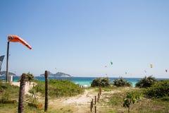 里约热内卢,巴西- 2016年12月26日:Pepe海滩 风筝海浪 库存图片