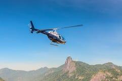 里约热内卢直升机游览 免版税图库摄影