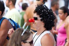里约热内卢- 2月11 : 自由的人民的一个乐趣加工好的人 免版税库存照片