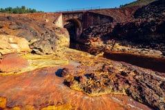 里约Tinto河在西班牙 免版税库存图片