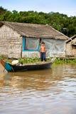 洞里萨湖的,柬埔寨男孩 免版税库存照片