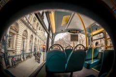 里面伦敦公共汽车 免版税图库摄影