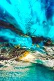里面冰洞在Vatnajokull,冰岛 免版税库存照片