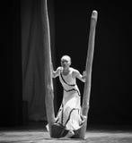 里面和外部差事门限到迷宫现代舞蹈舞蹈动作设计者玛莎・葛兰姆里 免版税库存照片