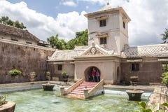 里面塔曼莎丽服水城堡在日惹 免版税库存照片
