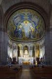 里面大教堂du Sacre Coeur 库存照片