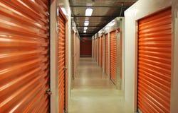 里面存储单元走廊 免版税库存图片