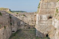 里面老中世纪石堡垒城堡 免版税库存图片