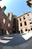 里面Caerlaverock城堡 免版税图库摄影