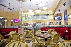 里面Jerrys熟食店在南迈阿密 免版税库存照片