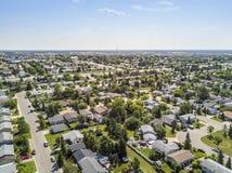 重创的大草原,亚伯大,加拿大住宅区  库存照片