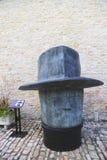 重创的太特古铜雕象法院正方形的吉恩米谢尔福伦在伯根地的Chateau de Pommard酿酒厂里面 库存照片