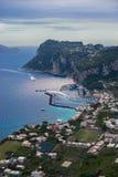 重创的小游艇船坞,卡普里岛,那不勒斯意大利港  免版税库存图片