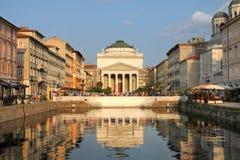 重创的运河的里雅斯特,意大利 免版税库存照片