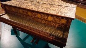 1600重创的钢琴 库存图片