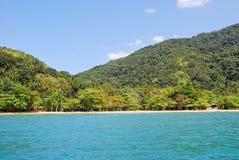 重创的Ilha :海滩普腊亚大步慢跑mendes,里约热内卢状态,巴西 库存照片