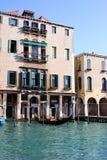 重创Venezia的运河 库存图片