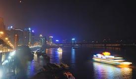 重庆晚上端口场面 库存照片