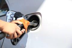 重新装满有燃料的汽车 免版税图库摄影