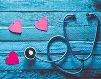 重点听您 检查心脏疾病 conce 免版税库存图片