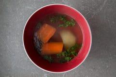 重点宏观浅汤蔬菜 库存照片