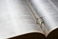重点环形影子婚礼 免版税库存照片