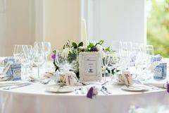 重点玻璃表婚礼 免版税图库摄影