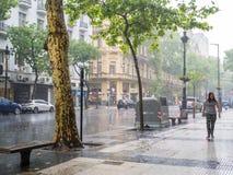 重的暴雨在市中心Microcentro,蒙特塞拉特区我 库存照片