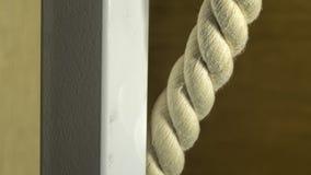 重绳索和金属管子特写镜头 免版税库存照片