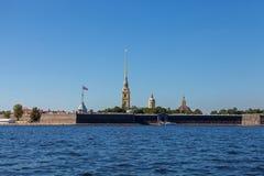 野兔海岛和Peterpavlovskay堡垒 免版税库存照片