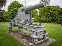 野战炮,一部分的在阿尔伯特公园,奥克兰,新西兰的布尔战争纪念品 免版税库存图片