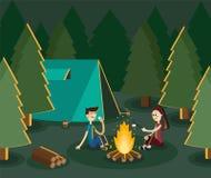 野营在森林里的男孩和gitl由营火 传染媒介平的例证 免版税库存照片