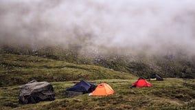 野营在苛刻的挪威 免版税库存图片