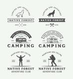 野营的套葡萄酒室外和冒险商标,徽章 图库摄影
