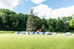 野营的安排 库存照片