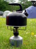 野营的气体水壶火炉 图库摄影