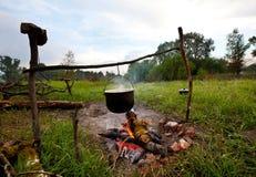 野营的火 免版税库存图片