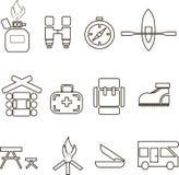 野营的象,变薄在白色的黑线,图表 制冷剂瓶,双筒望远镜,指南针,小船,房子,卫生保健,背包,鞋子, 库存图片