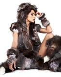 野蛮服装的美丽的妇女 库存图片