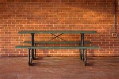 野餐桌工作场所 库存图片
