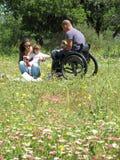 野餐轮椅 免版税库存图片