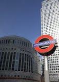 金丝雀码头大厦在伦敦 免版税库存图片
