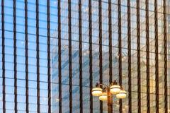 金丝雀码头港区轻便铁路驻地玻璃天花板  库存图片