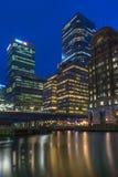 金丝雀码头,伦敦,英国夜视图  库存图片