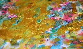 金五颜六色的闪耀的蜡状的生动的柔和的淡色彩察觉水彩被弄脏的蜡状的金斑点五颜六色的颜色,刷子, backgrounnd冲程  免版税库存图片